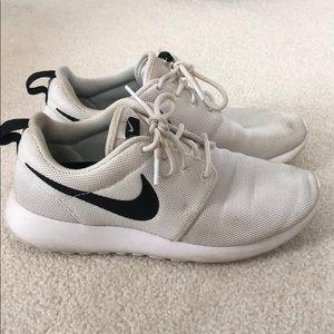 Gently used Nike Roshe sneakers